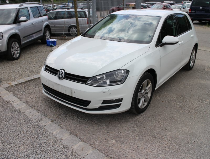 vw golf 7 pure white gebraucht. Black Bedroom Furniture Sets. Home Design Ideas