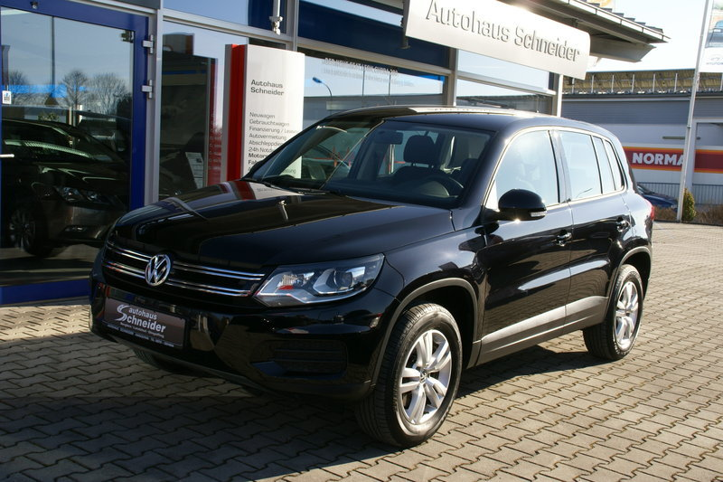 vw tiguan deep black perleffekt gebraucht. Black Bedroom Furniture Sets. Home Design Ideas