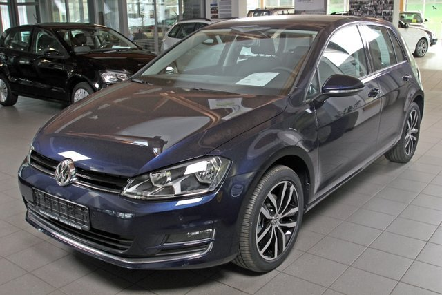 vw golf 7 nightblue metallic gebraucht. Black Bedroom Furniture Sets. Home Design Ideas