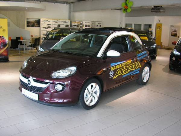 Opel Adam Berry Red Cream Gebraucht