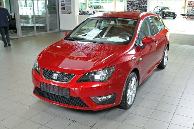 seat ibiza montsant rot metallic gebraucht. Black Bedroom Furniture Sets. Home Design Ideas