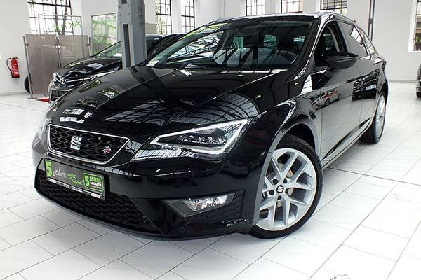 seat leon st midnight schwarz gebraucht. Black Bedroom Furniture Sets. Home Design Ideas