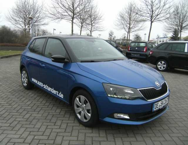 skoda fabia race blau metallic gebraucht. Black Bedroom Furniture Sets. Home Design Ideas