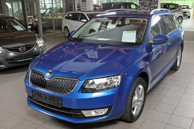 skoda octavia combi raceblau metallic gebraucht. Black Bedroom Furniture Sets. Home Design Ideas