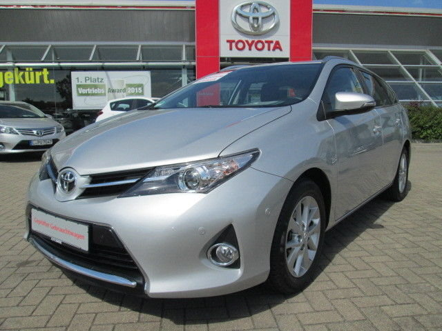 toyota auris touring sports silber gebraucht. Black Bedroom Furniture Sets. Home Design Ideas